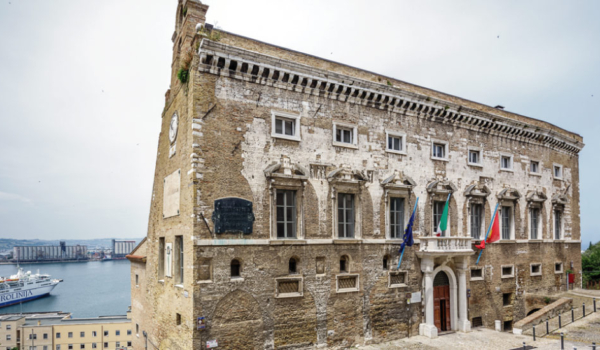 palazzo-degli-anziani-ancona